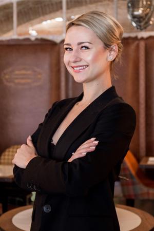 Kinga Matela | MANAGER